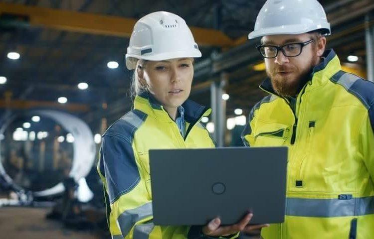 شرکت پایا صنعت تجارت رادوین دارای تیم با تجربه و خبره میباشد.